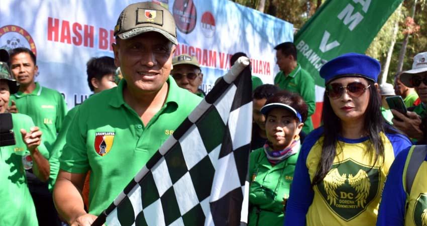 Pangdam V Brawijaya Lari HASH Pupuk Kekompakan dan Keakraban Masyarakat dan TNI