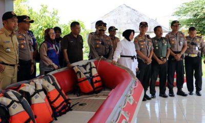 Siaga Hadapi Bencana Banjir, Walikota Risma dan Kapolrestabes Cek Rumah Pompa Sumber Rejo