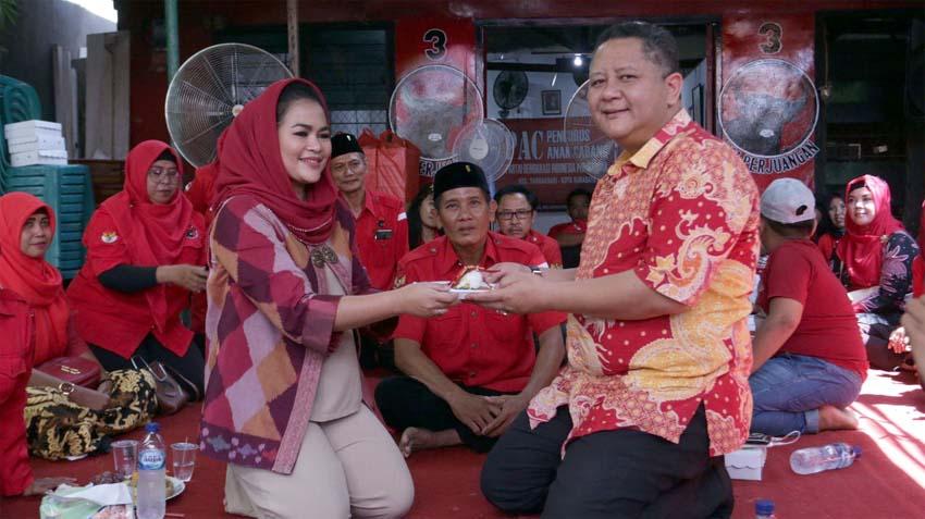 Wawali Whisnu Sakti Buana Saat Menghadiri Reses Anggota Dewan DPR RI Puti Guntur Soekarno Di Sekretariat PAC PDIP Tambaksari , Surabaya