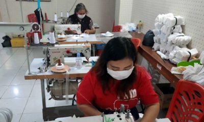 Pemkot Surabaya Berdayakan UMKM Produksi Masker dan APD untuk Tangani Covid-19