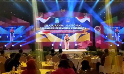 Gubernur Jatim, Khofifah Indar Parawansa, saat memberikan sambutan di pembukaan silaturahmi Nasional Organisasi Perempuan Keagamaan.